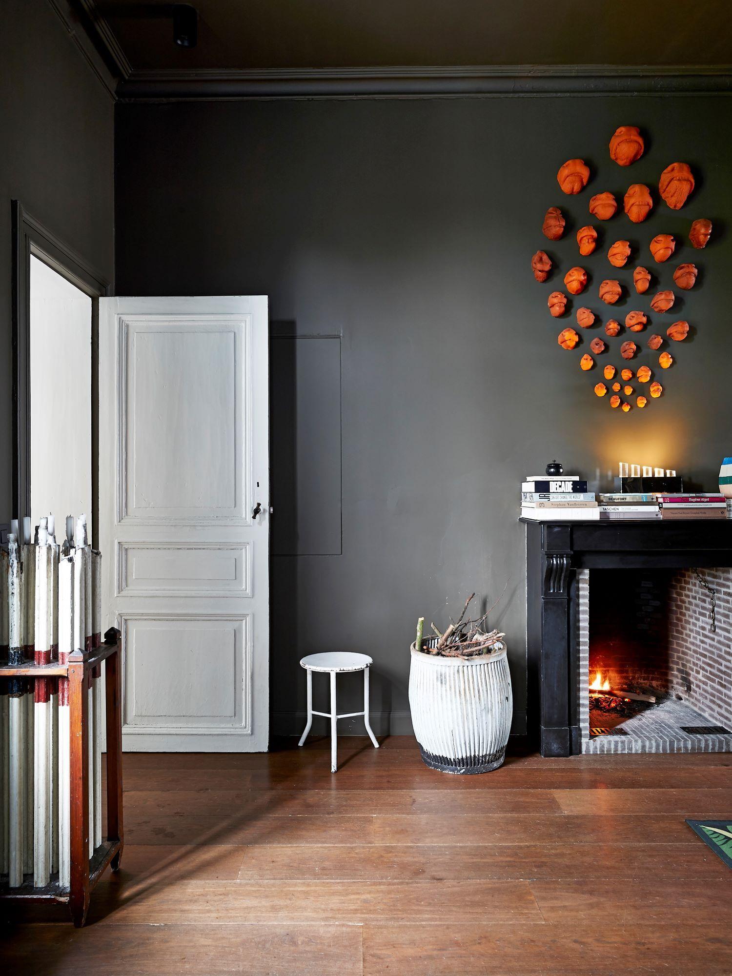 LONDON HAMPTON fireplace
