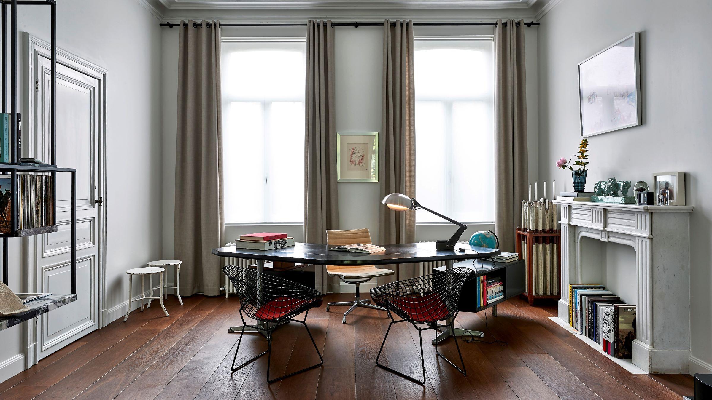 LONDON HAMPTON office