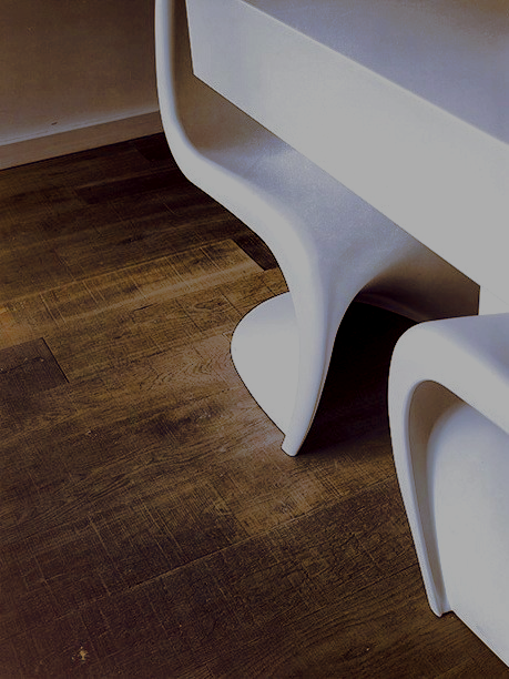 Oak tate iona plank with vitra panton white s chair