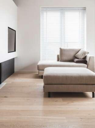 MONTCLARE light oak floor in livingroom