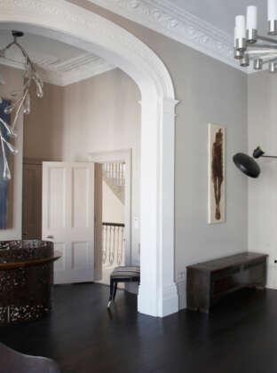 Oak Landmark Barrington black floor with neutral walls roomset portrait