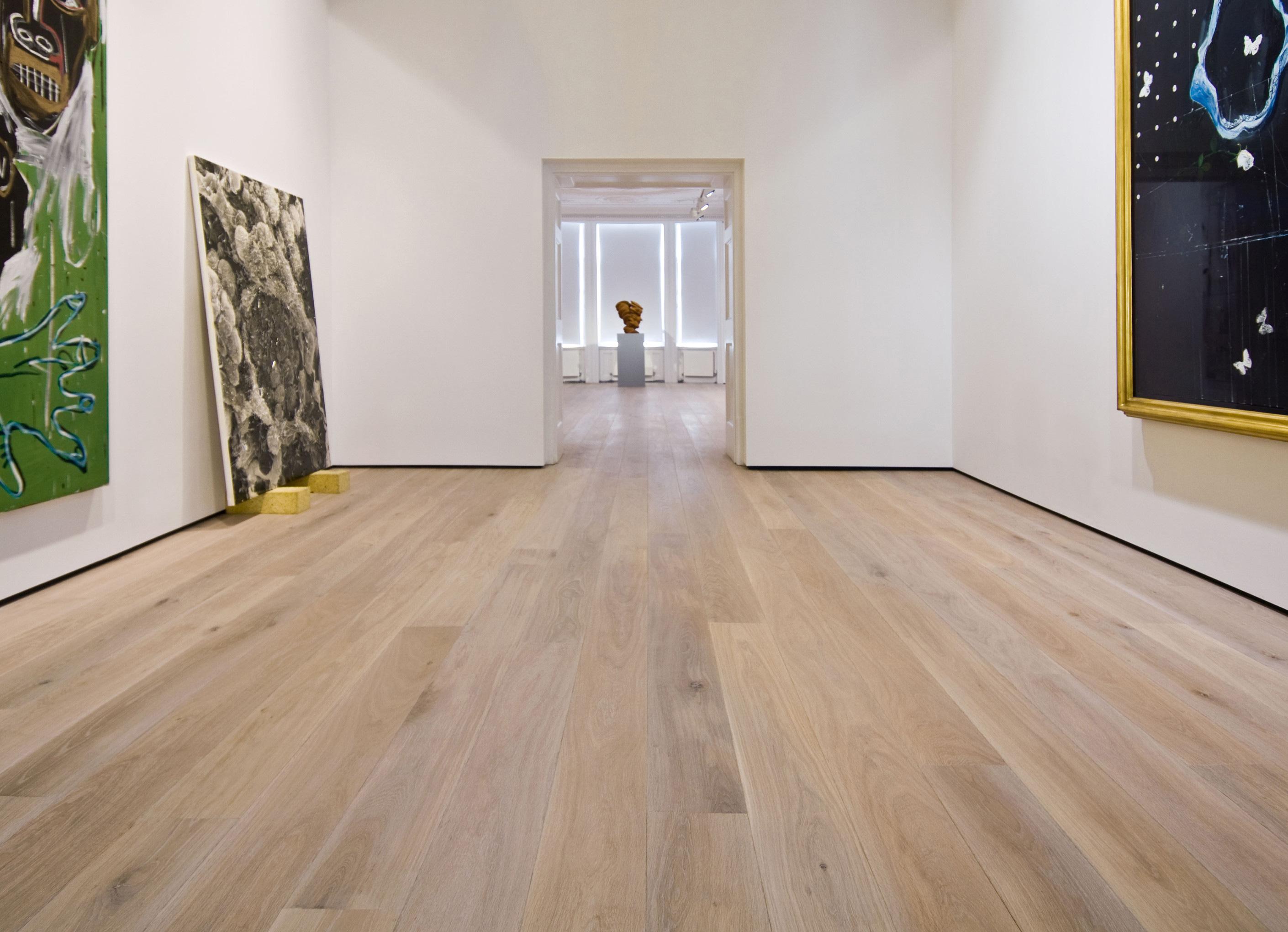 Oak landmark wakehurst plank in art gallery with central doorway