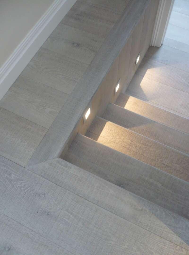 Oak TATE Steps with lights