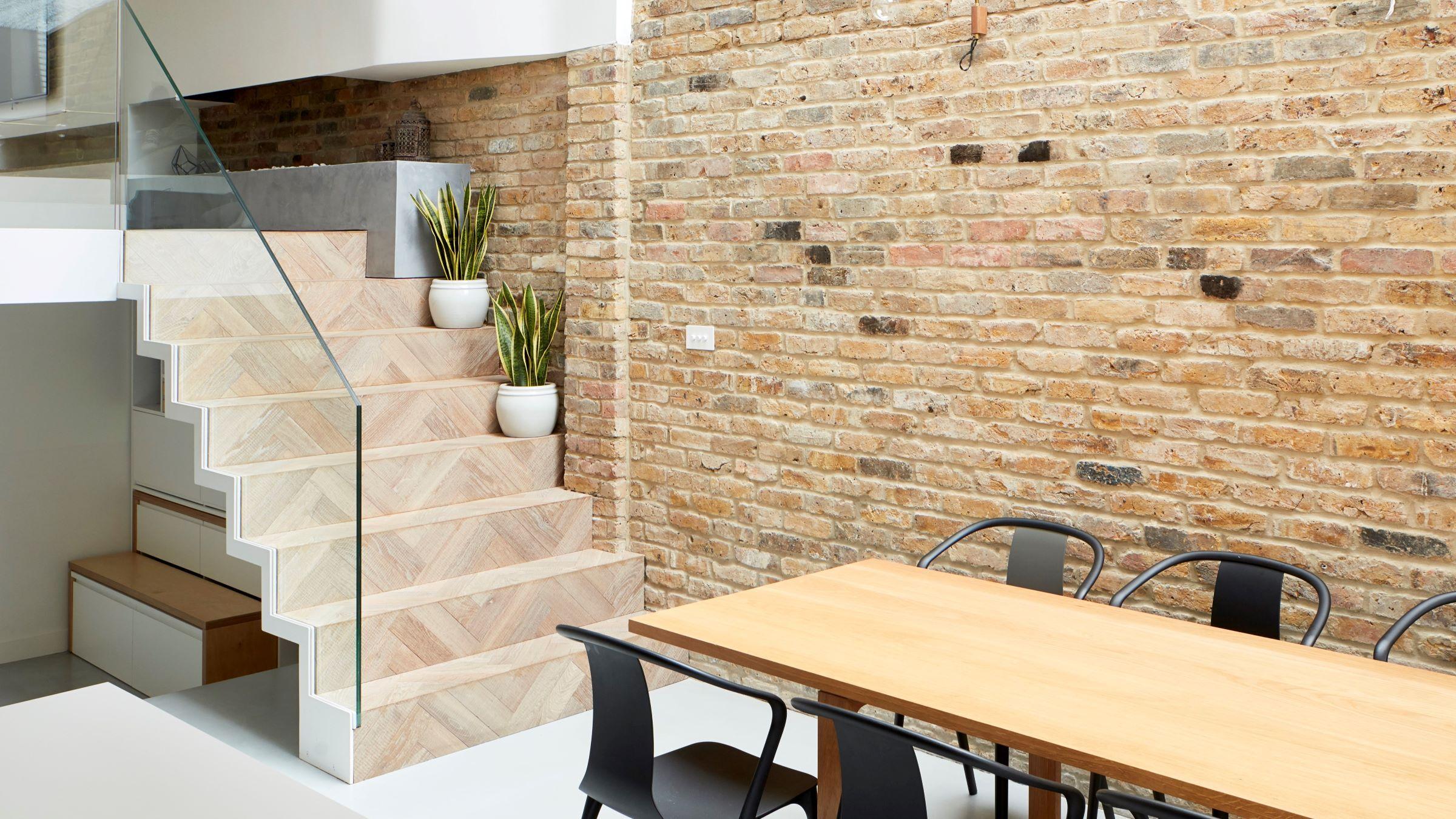 Oak Tate Bute herringbone steps in kitchen