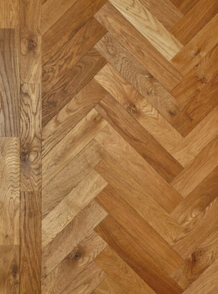 Oak landmark standon herringbone with double border