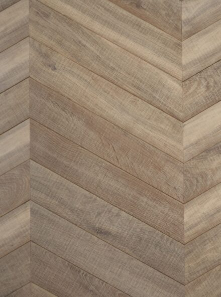 Light textured oak flooring tate bute chevron
