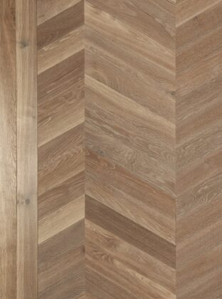 Oak strata glen chevron with double border