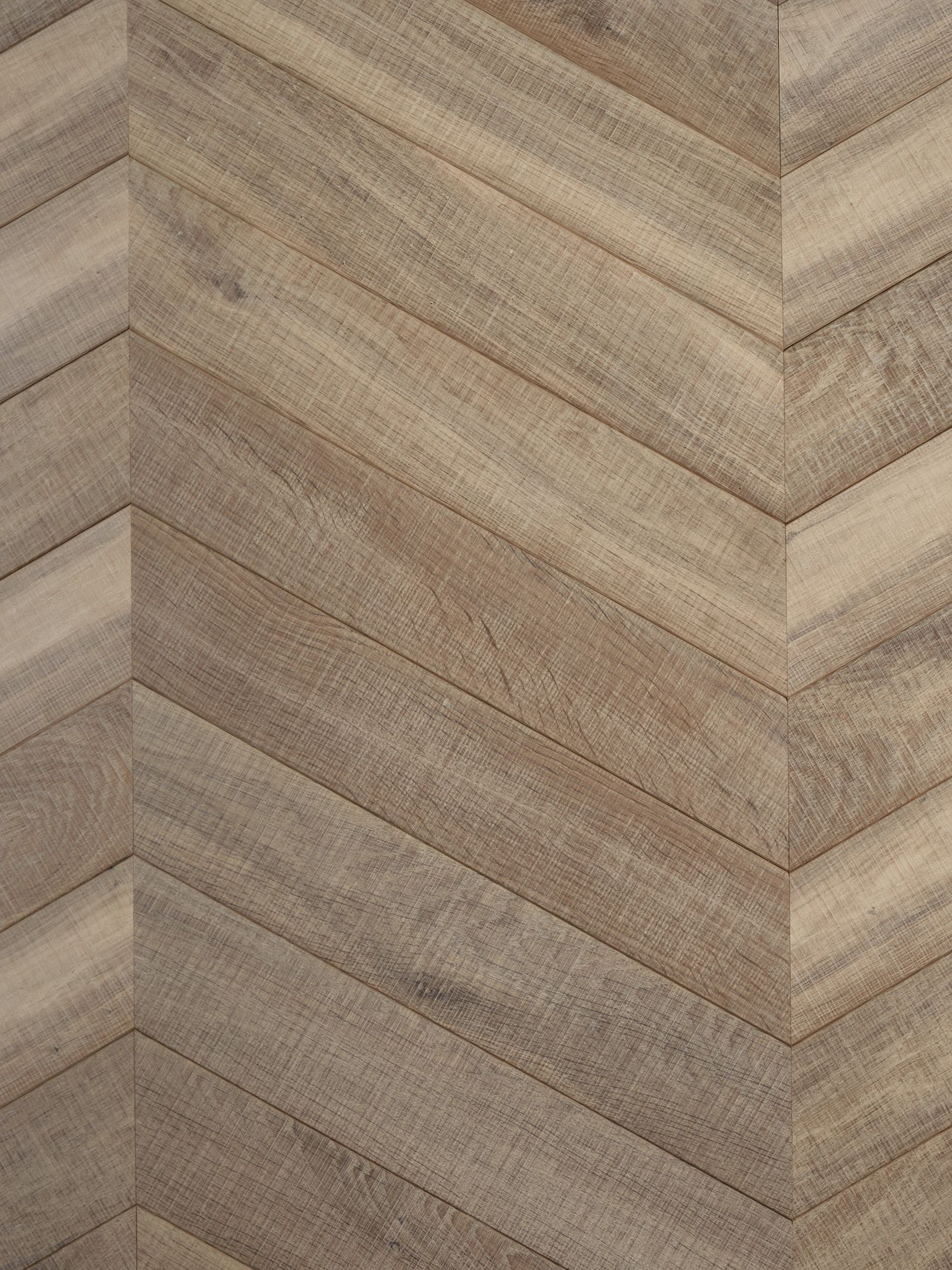 Light textured oak flooring tate bute chevron